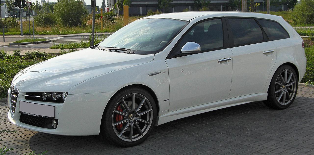 1280px-Alfa_Romeo_159_ti_Sportwagon_front_20100814
